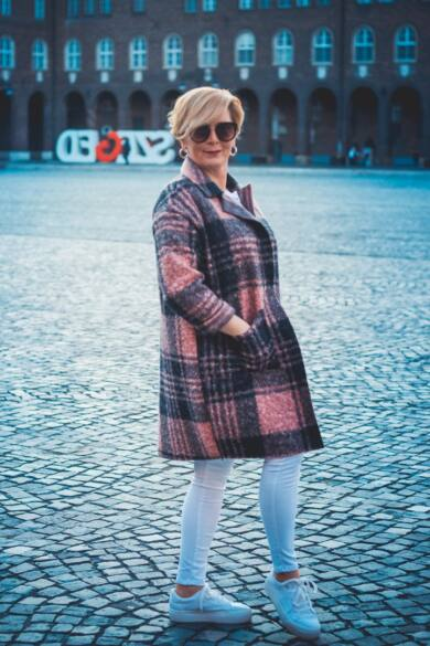 Adele púder-fehér kockás szövet blézer