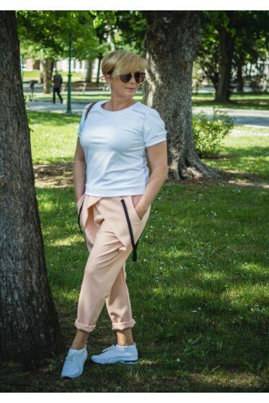 Púderszínű gumis derekú ülepes nadrág