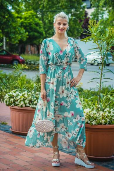 Mentazöldszín alapon, magnólia muszlin maxi-ruha