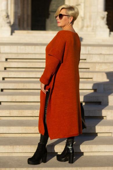 Laza stílusú rozsdaszínű maxi kötött pulcsi