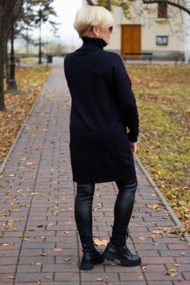 Alexa fekete, elején ezüst kövekkel díszített, garbó nyakú kötött pulóver