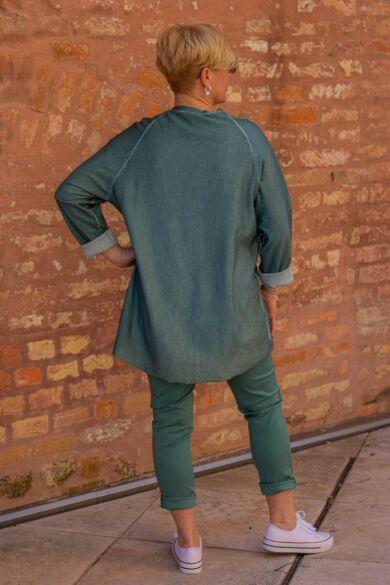 Cameó zöld színű elején ezüst feliratos pamut felső
