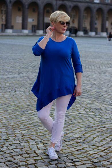 Catarina kék színű, alján ék alakú pamut felső