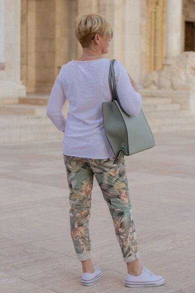 Menta zöld és púder színű mintás gumírozott derekú rugalmas pamut-vászon nadrág