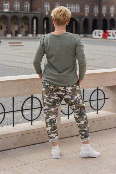 Zöld terepmintás pamut ülepes nadrág