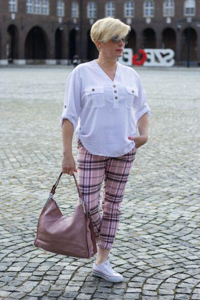Púder színű, gumis derekú, rugalmas pamut-vászon nadrág