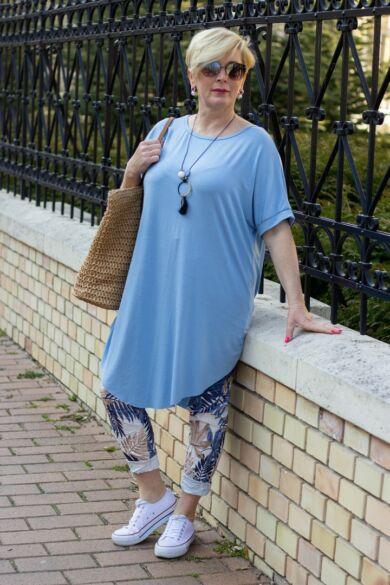 Xénia kék színű, rövid ujjú, laza stílusú pamut tunika