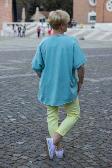 Zöld színű elöl lenvászon felső Love felirattal, hátán pamut