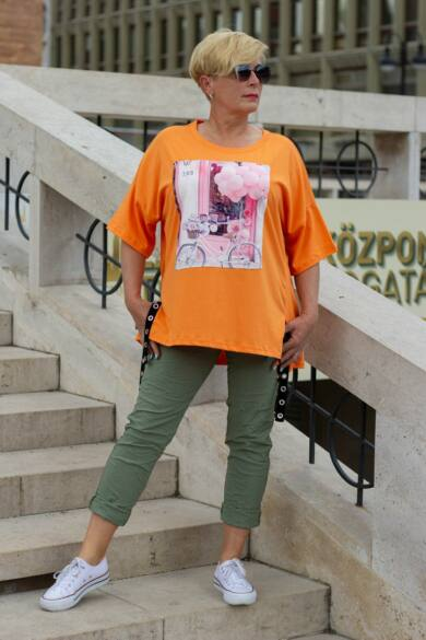 Khaki színű, gumírozott derekú rugalmas pamut-vászon nadrág