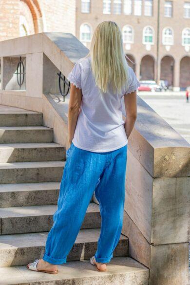 Laza stílusú kék színű len nadrág