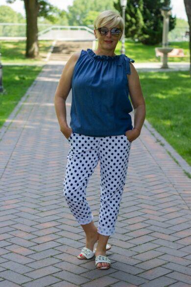 Nóra fehér alapon kék pettyes nadrág