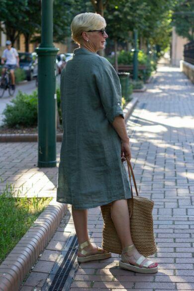 Khaki zöld színű len végig gombos ingruha