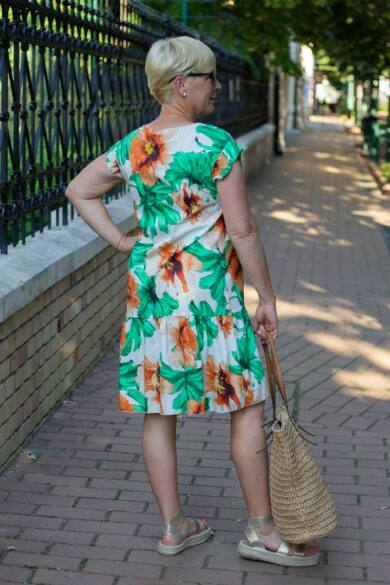 Dorina zöld-narancs virágos ruha
