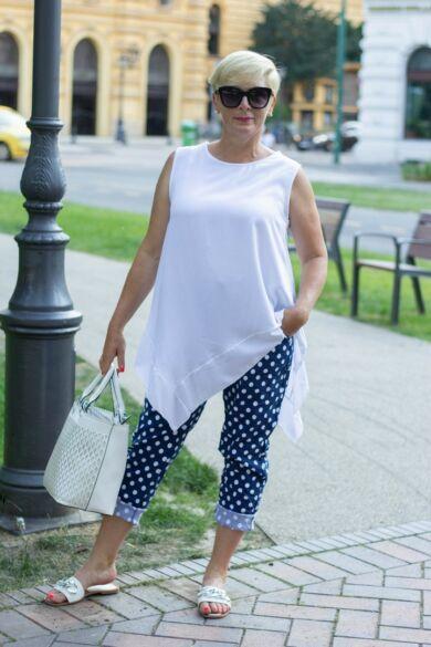 Nóra kék alapon fehér pettyes nadrág