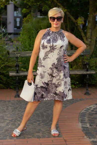 Kiara fekete-fehér mintás ruha