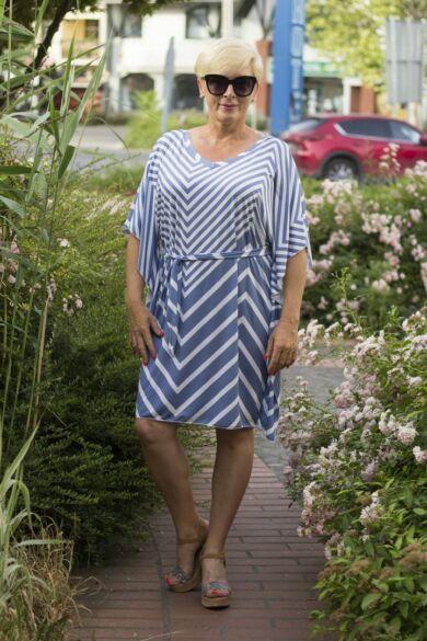 Kék-fehér csíkos lepel ruha