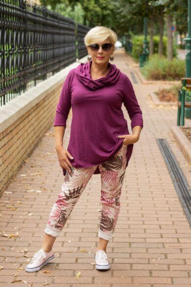 Púder színű mintás nadrág