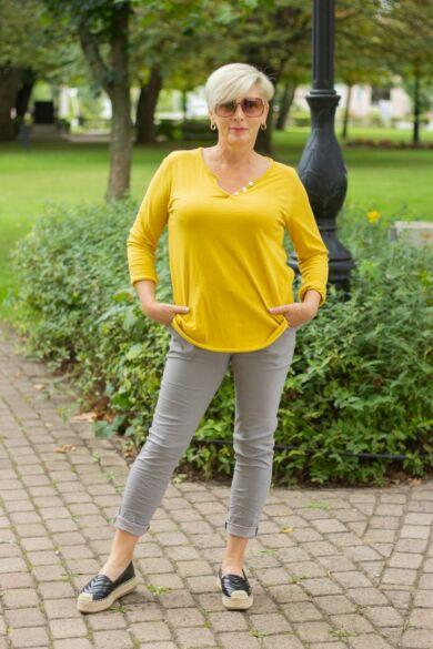 Szürke  színű, gumírozott derekú rugalmas pamut-vászon nadrág