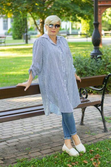 Sötétkék-fehér csíkos laza stílusú ing