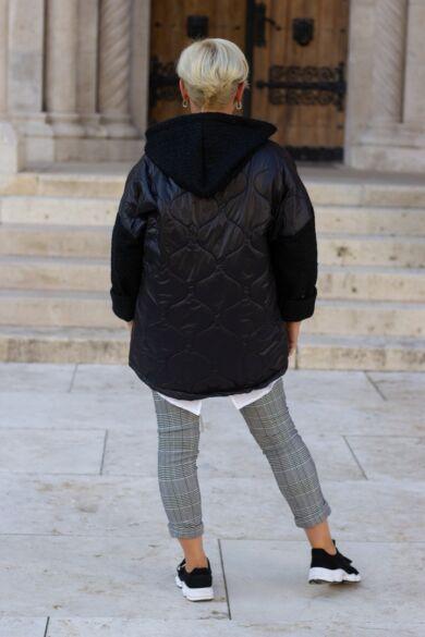 Ana fekete bélelt, steppelt átmeneti kabát.