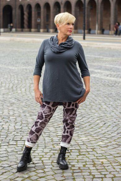 Szürke - fekete színű, gumírozott derekú rugalmas puha őszi téli nadrág