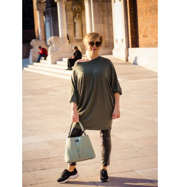 Eleonora khaki zöld színű laza stílusú puha pamut tunika