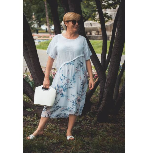 Stella fehérszínű lenvászon ruha, virágmintás alsó részel