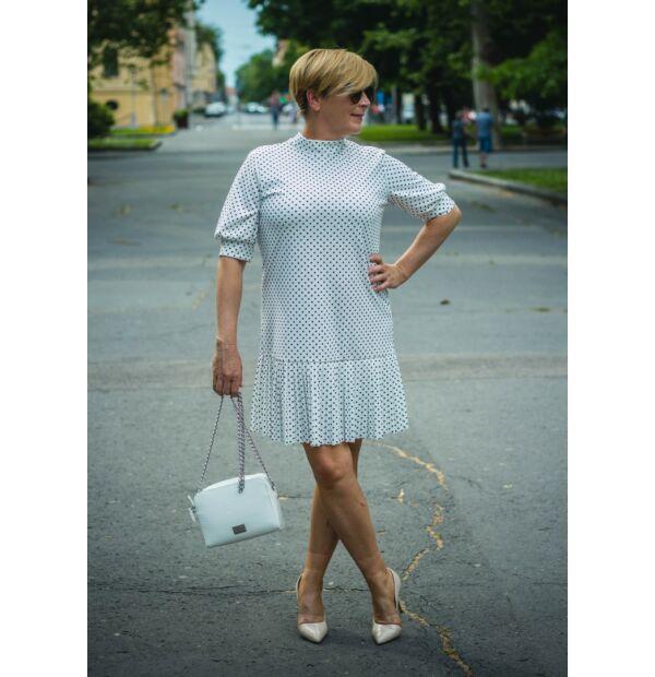 Léda fehér alapon fekete pettyes ruha