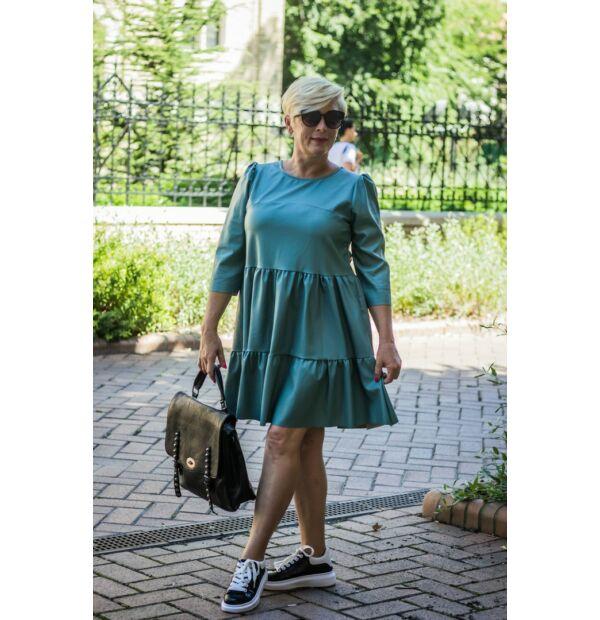 Hélia mentazöld, fodros megjelenésű egyméretes bőrhatású ruha.
