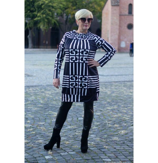 Lara fekete alapon fehér mintás tunika-ruha