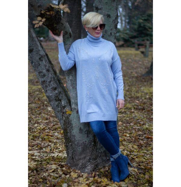 Alexa kék, elején ezüst kövekkel díszített, garbó nyakú kötött pulóver