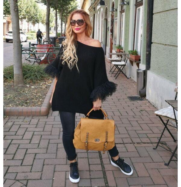 Angelina fekete, tűlldíszítésű kötött pulcsi