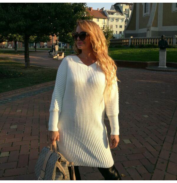 Glória V nyakú fehér hosszított kötött pulcsi