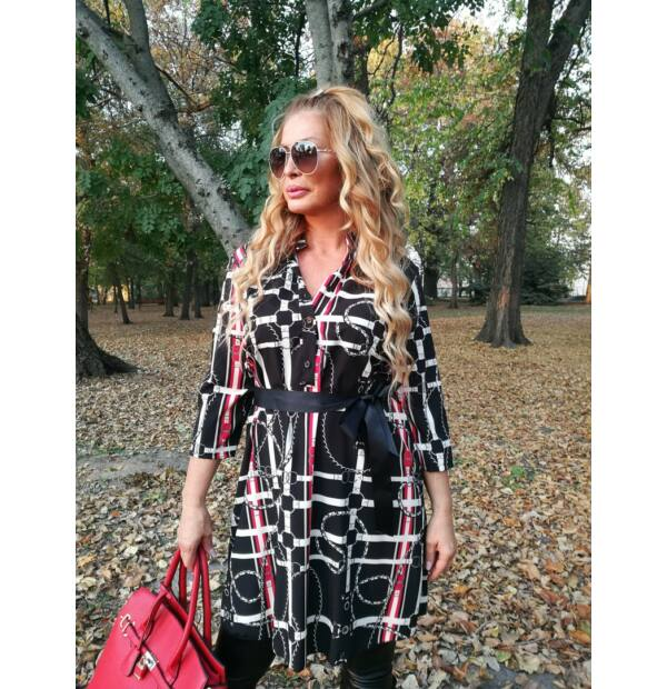 Fekete-piros-fehér mintás elöl végig gombos tunika-ruha.