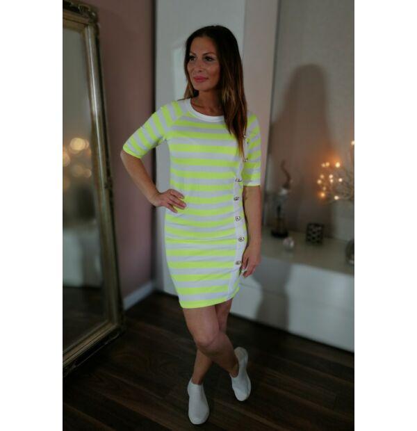 Neon zöld-fehér csíkos testre simuló ruha.