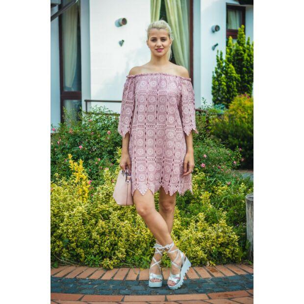 Cloé púderszínű csipke ruha