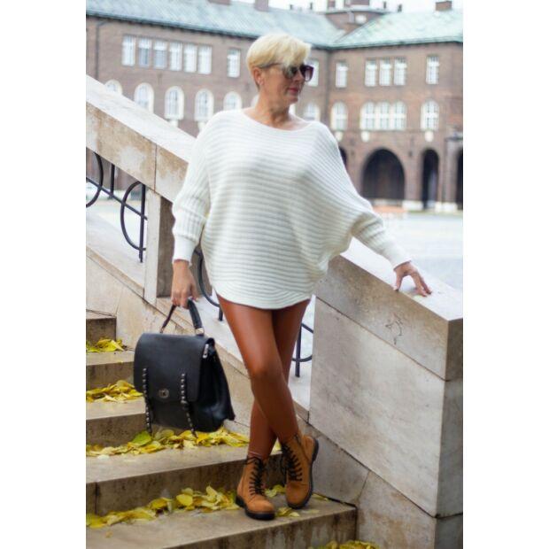 Norma fehér bordás kötött pulóver