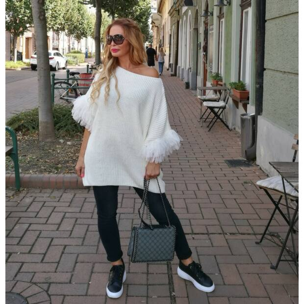 Angelina fehér, tűlldíszítésű kötött pulcsi