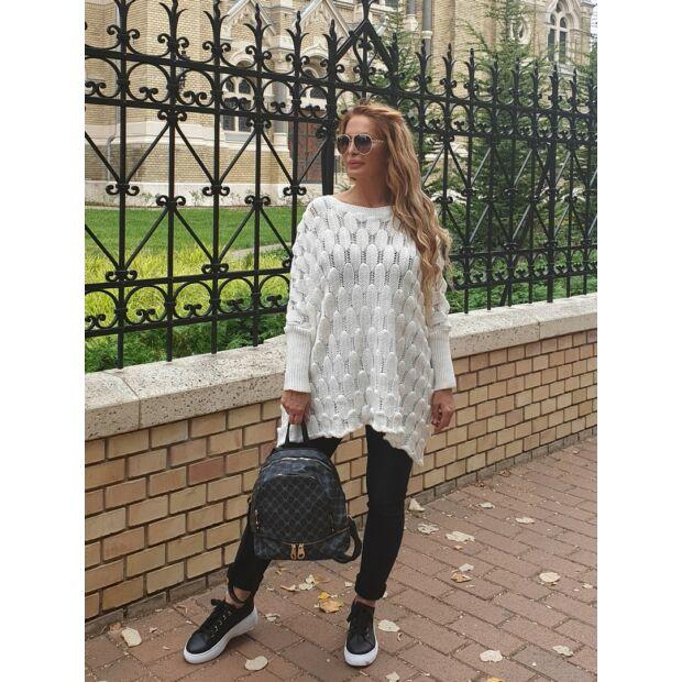kyara fehér színű laza fazonú kötött pulcsi