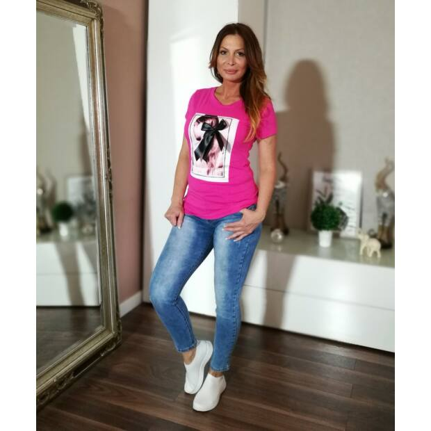 Pink színű, elején fekete selyem masnis pamut póló.