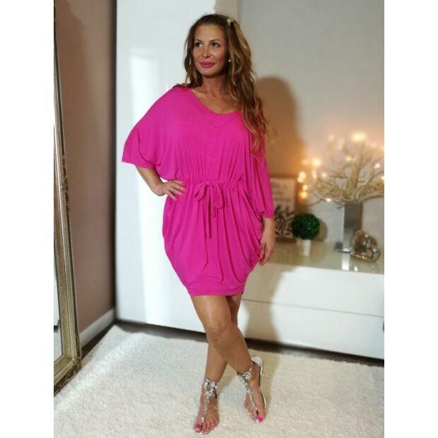 Pink  színű  V  nyakú, derékrésznél  megkötős laza  szabású ruha.