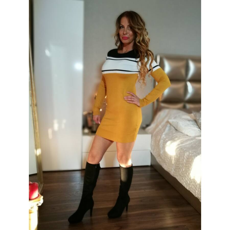 7d7d384d56 Fekete, fehér, mustár csíkos kötött tunika-ruha. - Minőségi olasz ...